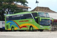 ibistrans.com sewa bus pariwisata foto bus gunung harta trayek Jakarta Malang