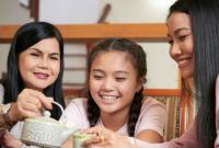 Tips Membuat Si Kecil Nyaman saat Liburan Keluarga
